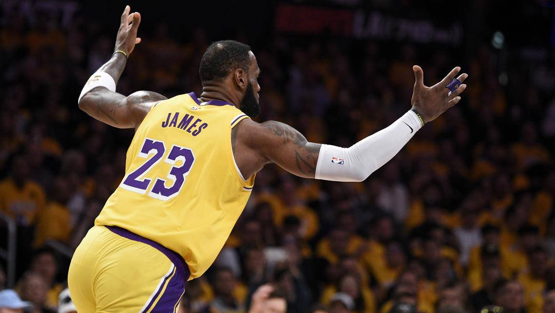 LeBron James, 35 anni, seconda stagione ai Lakers. Ap
