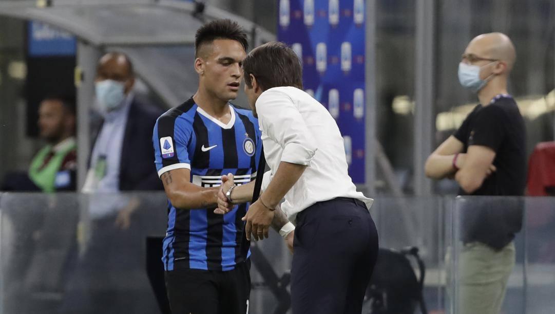 Conte si complimenta con Lautaro in Inter-Toro. LaPresse