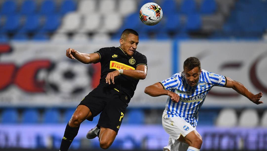 Alexis Sanchez in azione contro la Spal. Lapresse