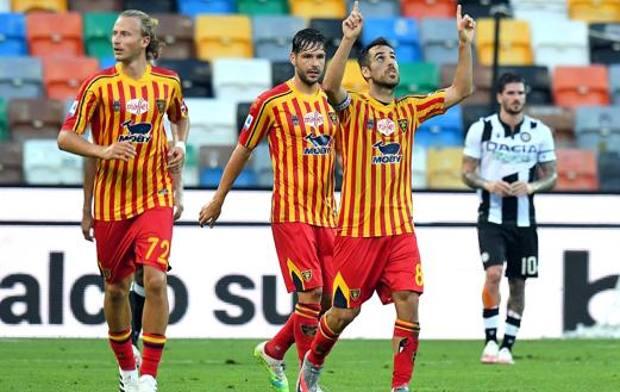 Mancosu festeggia il gol dell'1-1. Getty