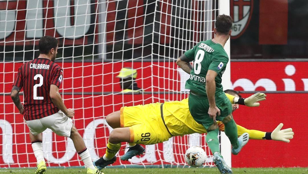 Il gol di Gaetano Castrovilli, 23 anni, a San Siro contro il Milan. Ap