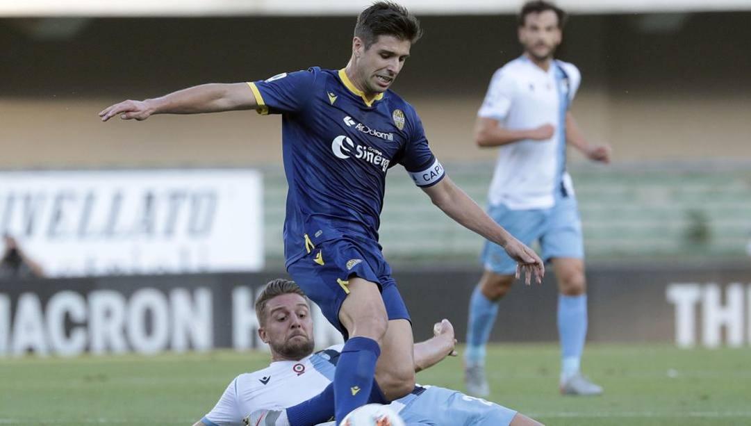 Miguel Veloso, 34 anni, portoghese del Verona. Ansa
