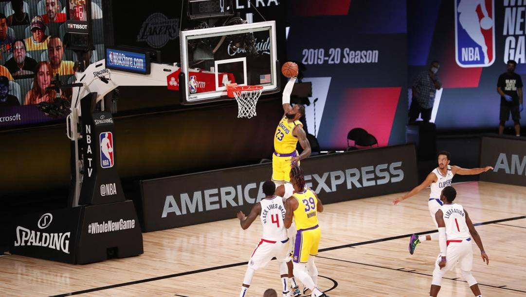 LeBron James, 35 anni, in Nba dal 2003. Ap