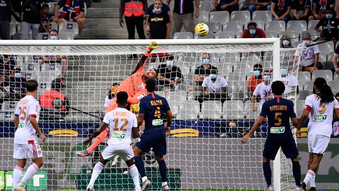 Una fase della finale di Coppa di Lega francese tra Psg e Lione. Afp