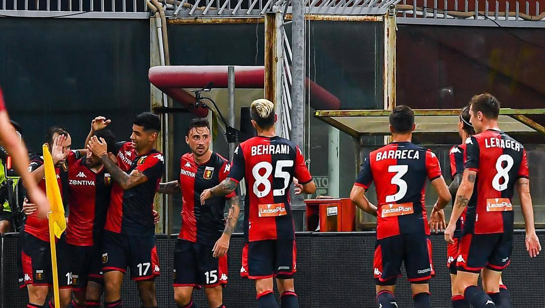 Antonio Sanabria (secondo da sinistra) festeggia coi compagni il secondo gol realizzato al Verona. Ansa