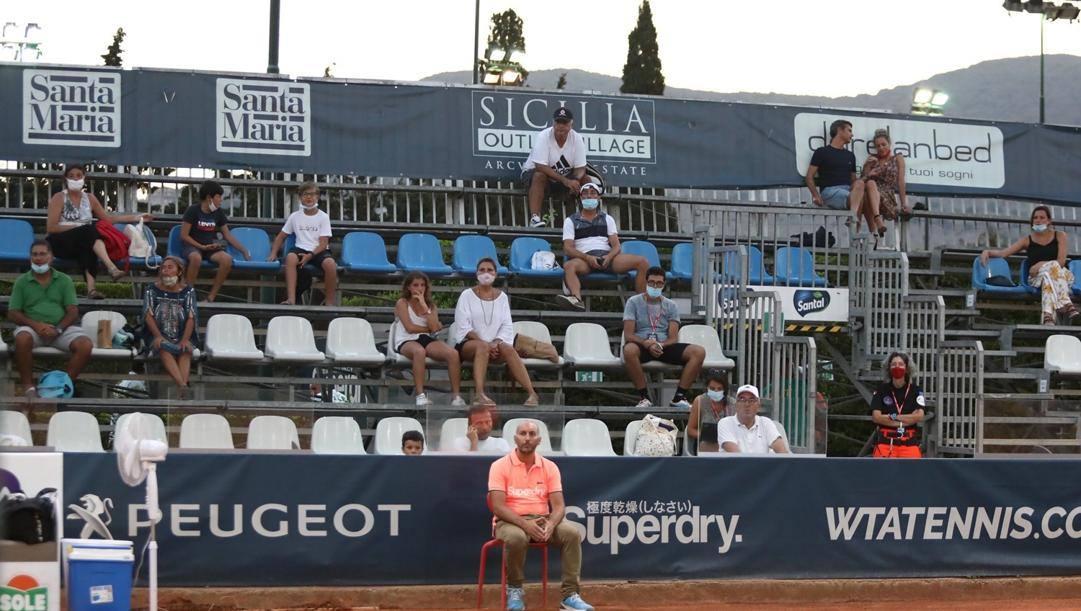 Il pubblico distanziato durante le qualificazioni
