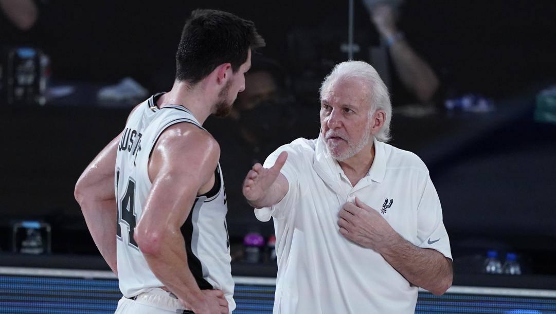 Gregg Popovich, 71 anni, al timone degli Spurs dal 1996. LaPresse