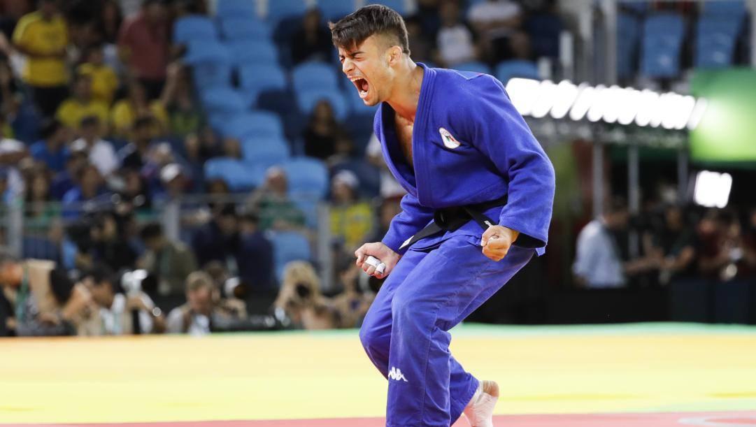 Fabio Basile esulta dopo la vittoria per ippon dell'oro olimpico a Rio 2016