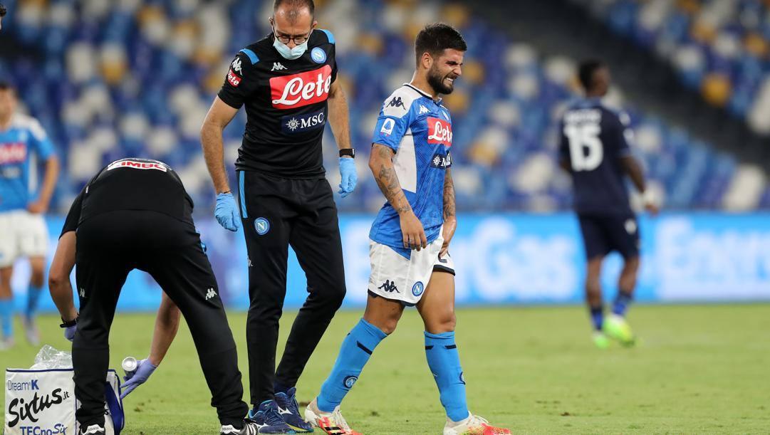 Lorenzo Insigne dolorante dopo l'infortunio contro la Lazio. Getty