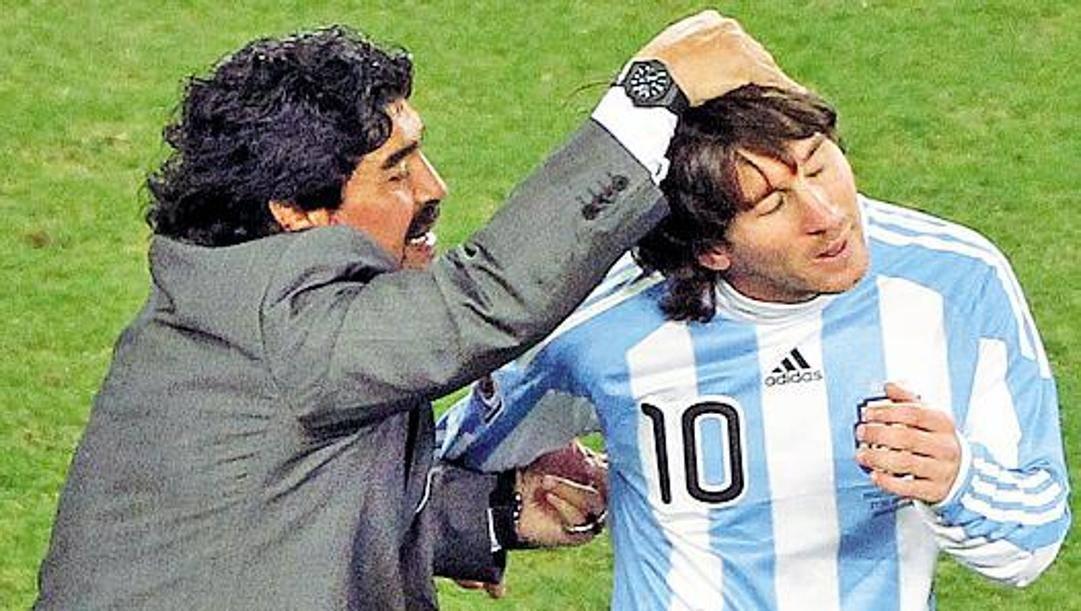 Diego Maradona e Leo Messi