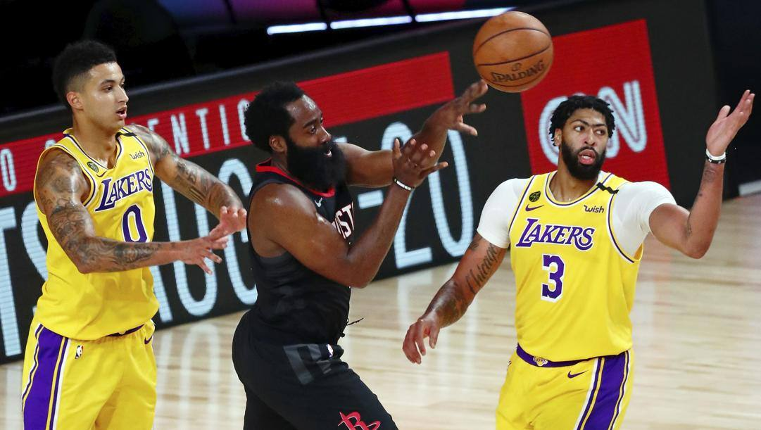 Per James Harden 39 punti contro i Lakers.Ap