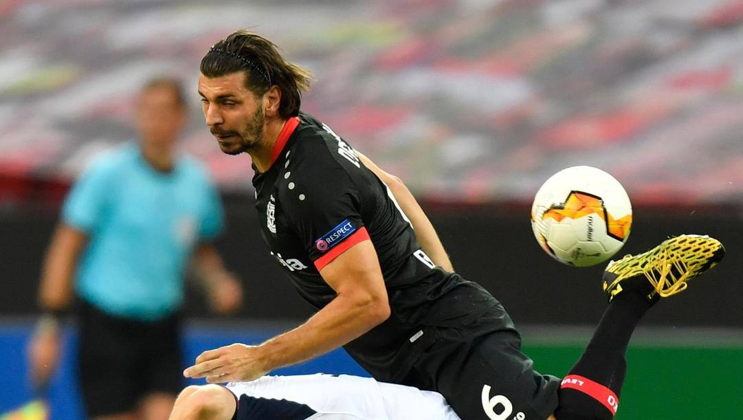 Aleksandar Dragovic (Bayer) contro i Rangers. Afp