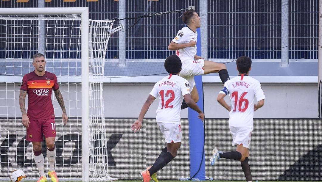 Sergio Reguilon (Siviglia) dopo il gol alla Roma. LaPresse