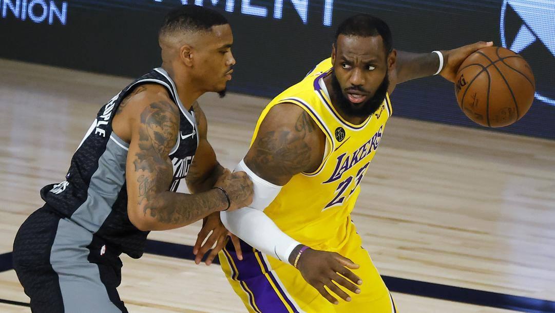 Lakers battuti dai Kings: LeBron ha giocato solo il primo tempo. Afp