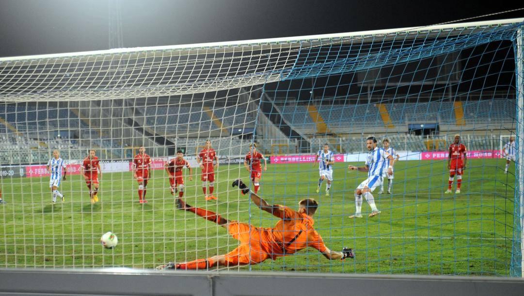 Il gol di Maniero nel match d'andata. LaPresse