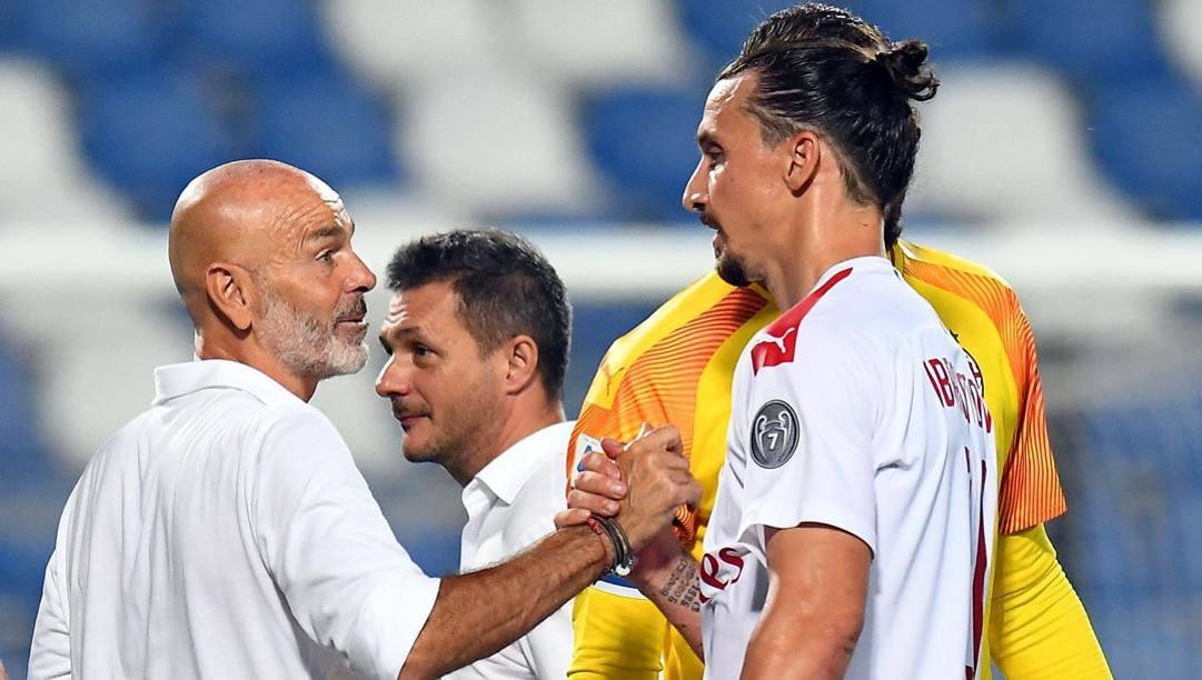Stefano Pioli, tecnico del Milan, con Zlatan Ibrahimovic. Lapresse