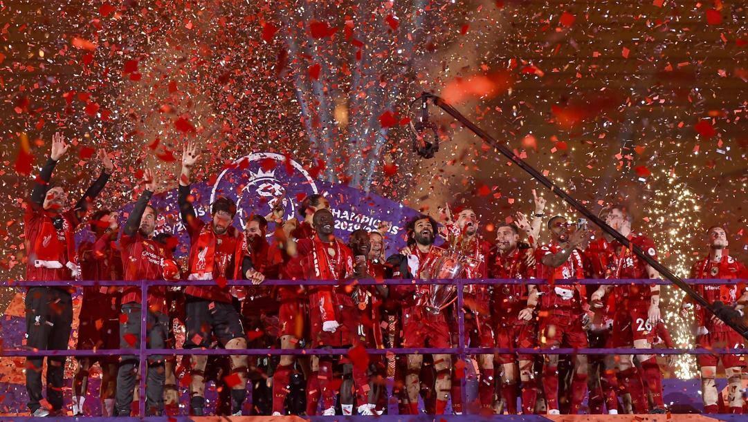 Il Liverpool festeggia il trionfo in Premier League. Ap
