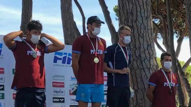 Il podio della 2.5 km : da sinistra Andrea Manzi, Gregorio Paltrinieri, il francese Olivier e Mario Sanzullo
