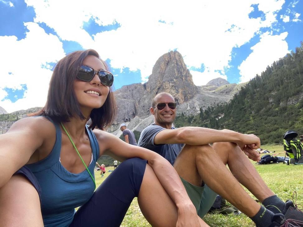 Allegri in vacanza sulle Dolomiti con la compagna Ambra Angiolini.