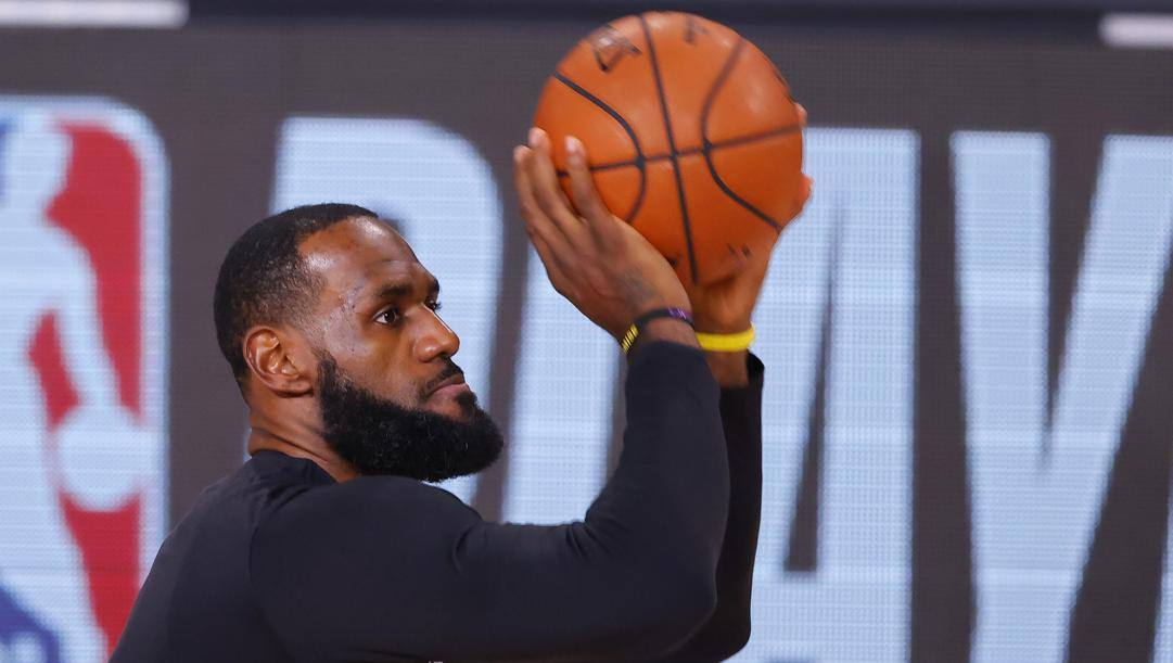 LeBron James, 35 anni (Ap)