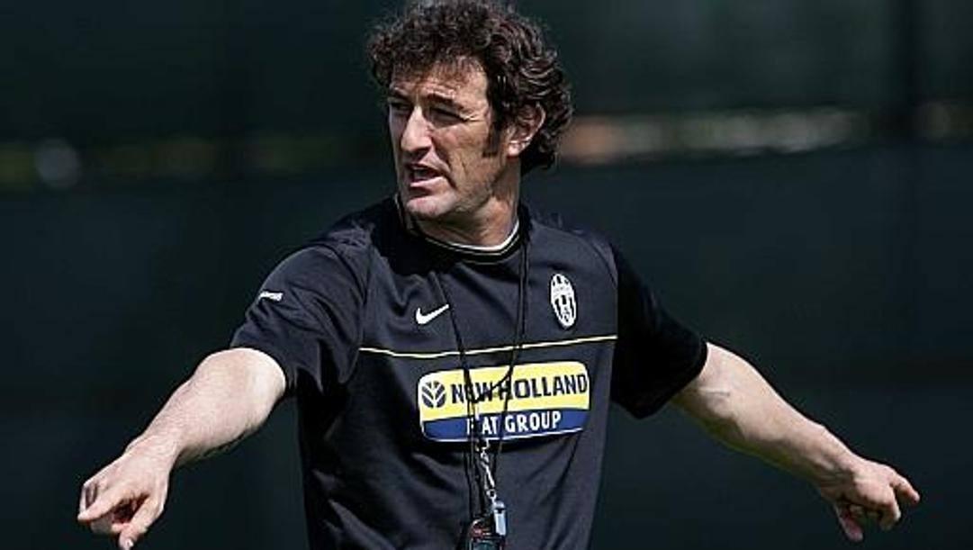 Ciro Ferrara versione allenatore della Juve nel 2009-10. Lapresse