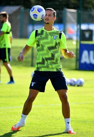 Calciomercato Lazio Pronto Il Rinnovo Per Luiz Felipe La Gazzetta Dello Sport