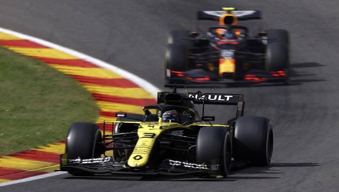 Ricciardo precede Albon. LaPresse