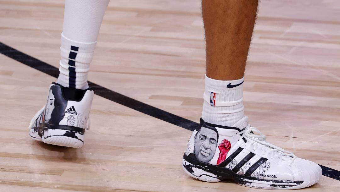 Le scarpe di Jamal Murray AFP