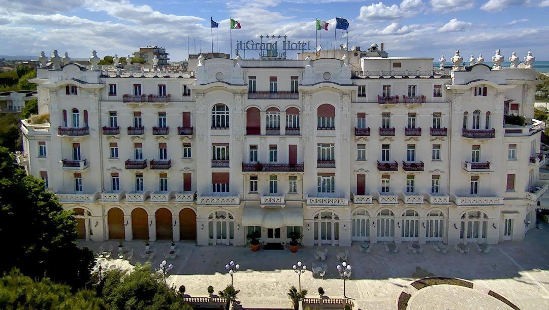 Il Grand Hotel di Rimini. LaPresse