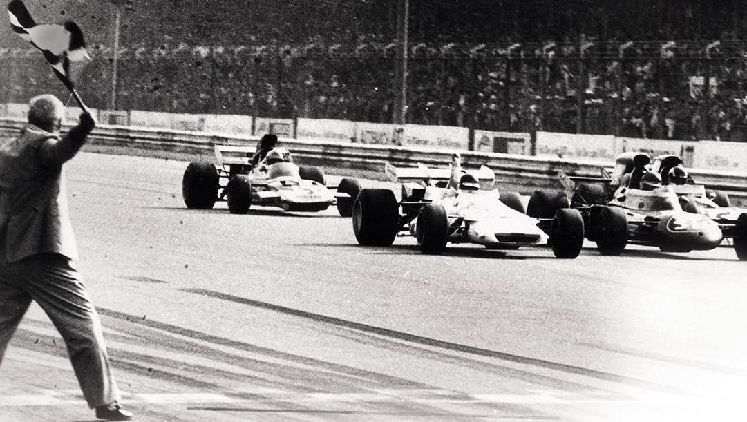 La volata del 1971:  da sinistra Gethin (Brm),  Peterson (March), Cevert (Tyrrell) e Hailwood (Surtees). Ansa