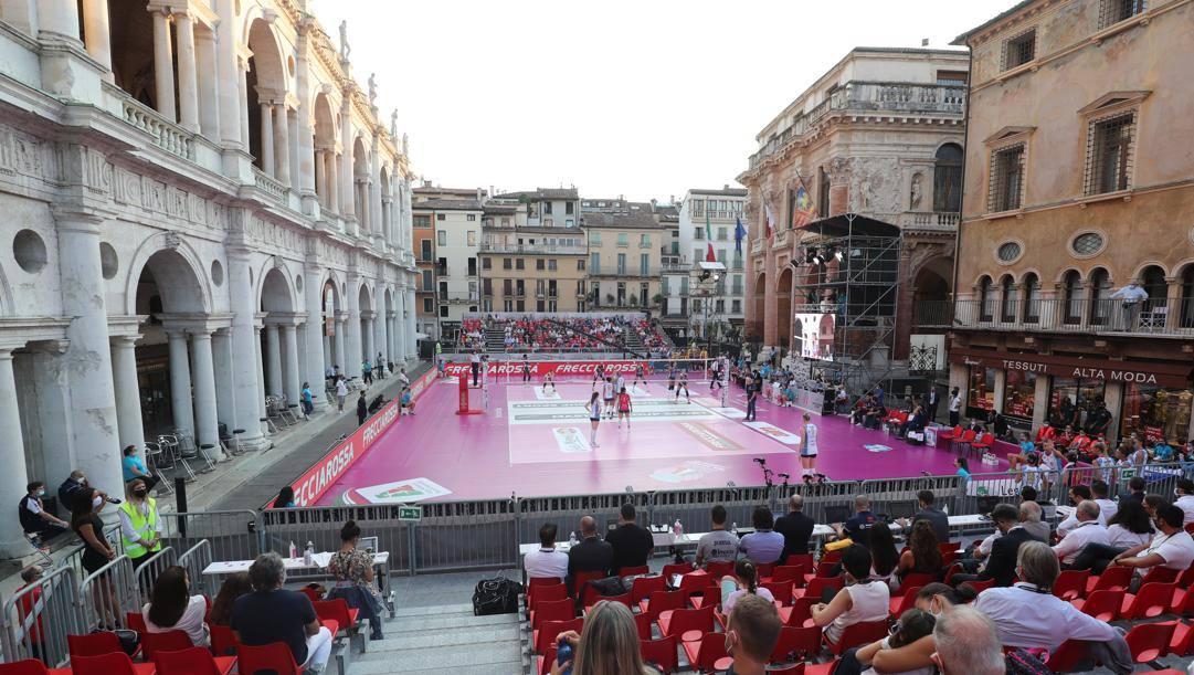 Una veduta dell'evento in Piazza dei Signori a Vicenza