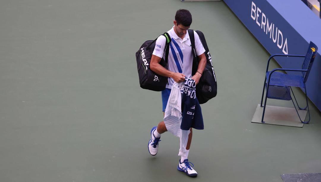 Momento no per Novak Djokovic. Epa
