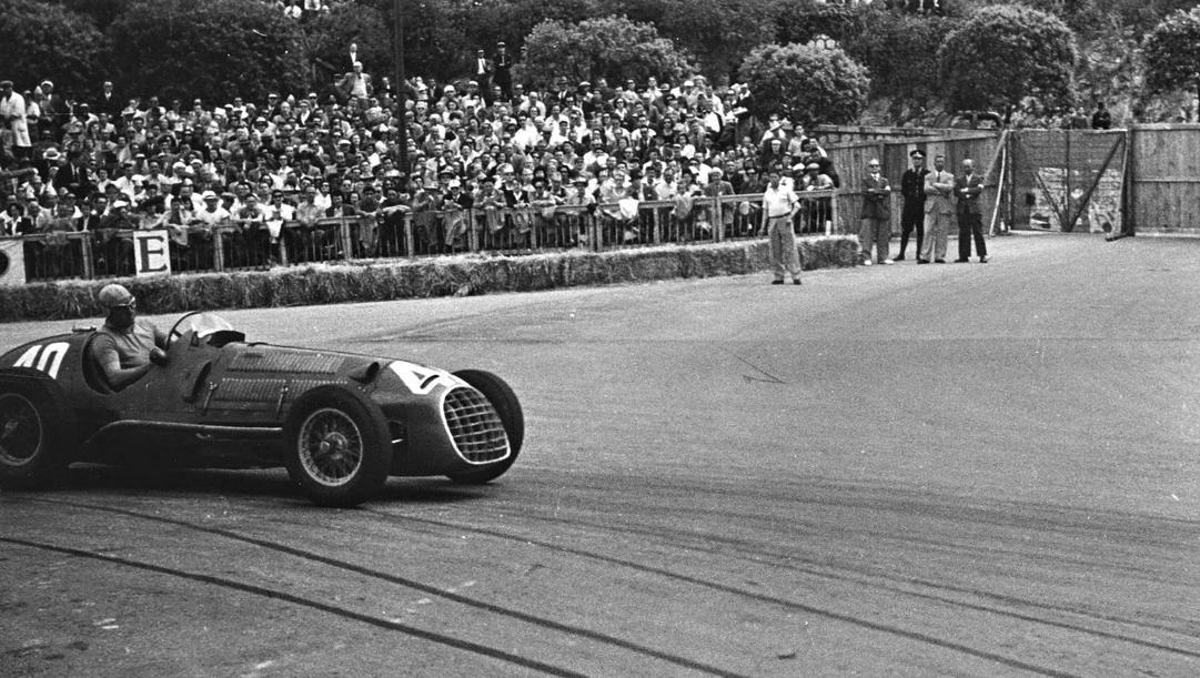 Ascari sulla Ferrari 125 F1 al GP Monaco 1950. Getty