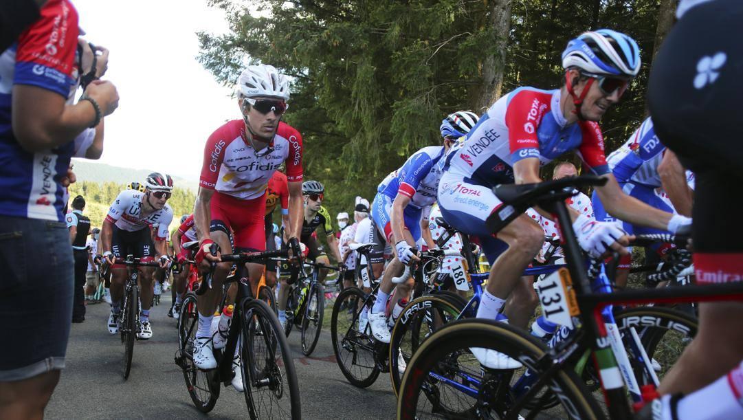 Tour parla sloveno, tappa a Pogacar e Roglic leader