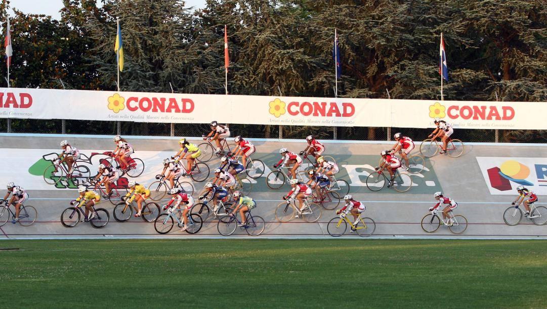 Un'immagine del velodromo Attilio Pavesi di Fiorenzuola (Bettini)