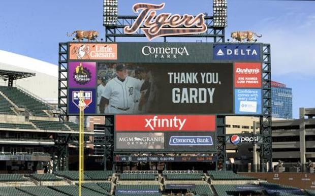 Il tabellone di Detroit col saluti al manager Ron Gardenhire. Ap