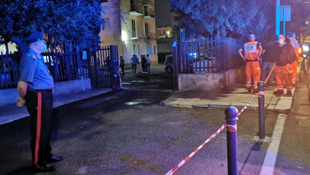 La polizia sul luogo del delitto a Lecce. Ansa