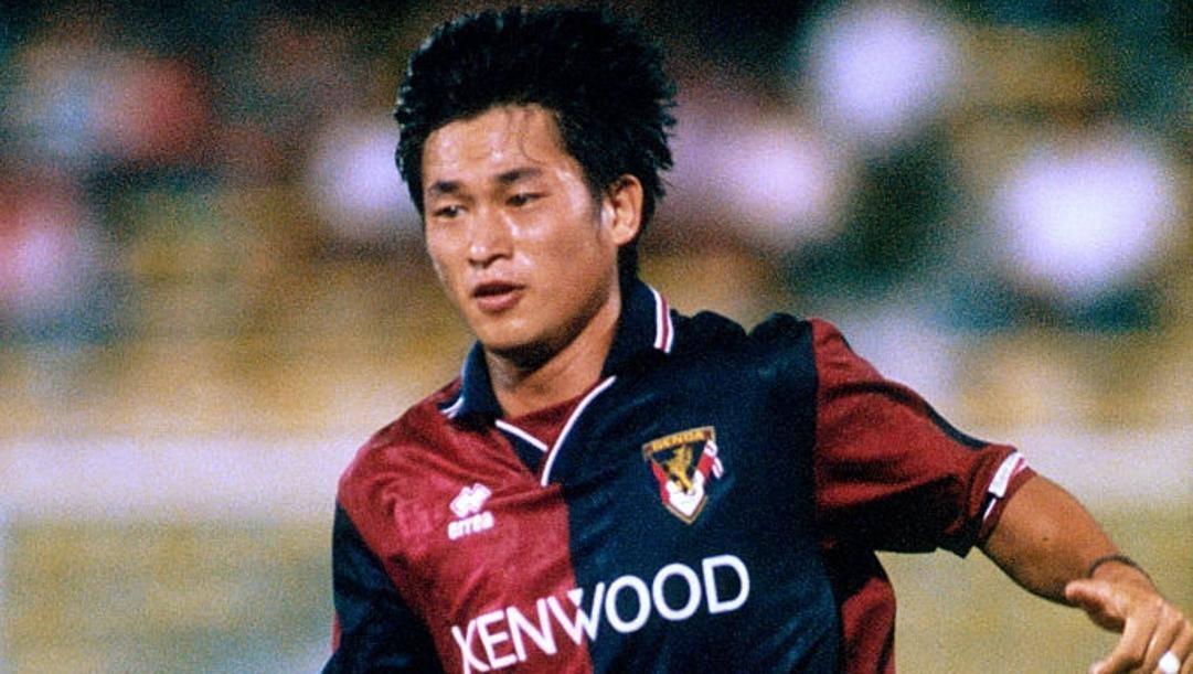 Kazu Miura con la maglia del Genoa