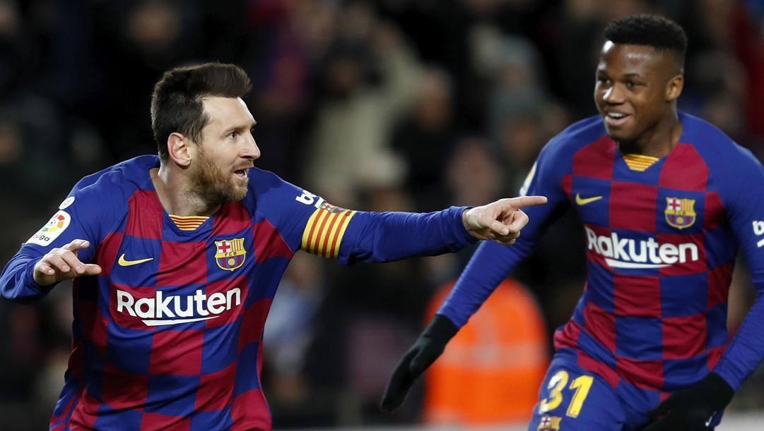 Leo Messi, 33 anni, e Ansu Fati, 17, punte del Barcellona. Ap