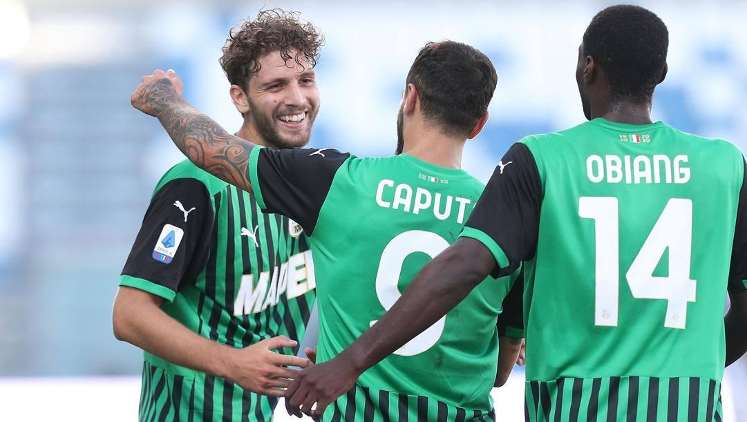 La festa del Sassuolo dopo il gol di Locatelli. Getty Images