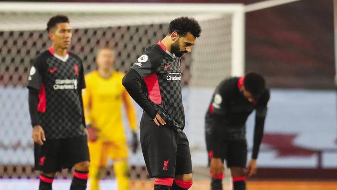 Salah e, dietro, Firmino: il Liverpool ha perso 7-2 con l'Aston Villa