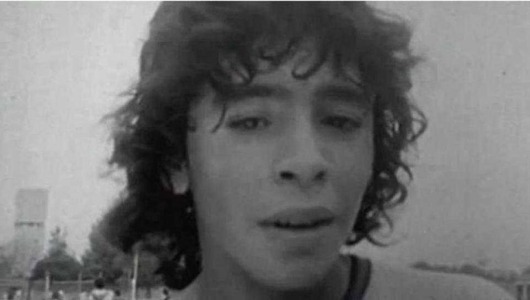 Un giovanissimo Maradona, già in prima squadra con l'Argentinos