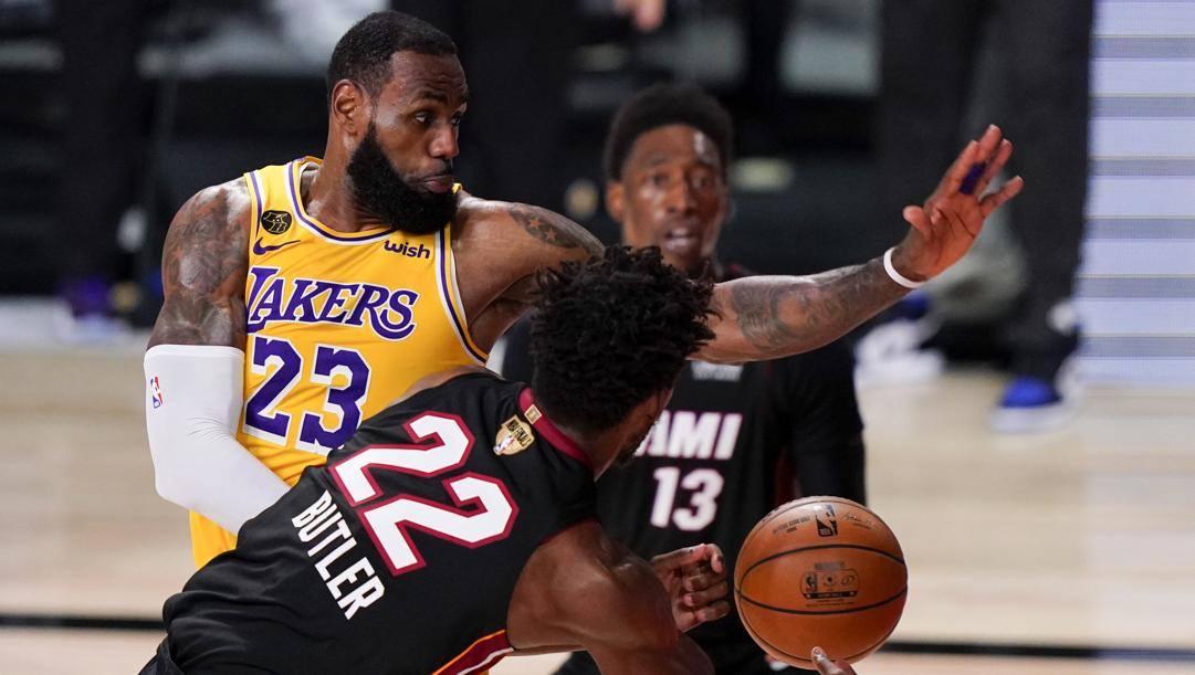 LeBron James, 35 anni, sta giocando nelle decime Finals della sua carriera