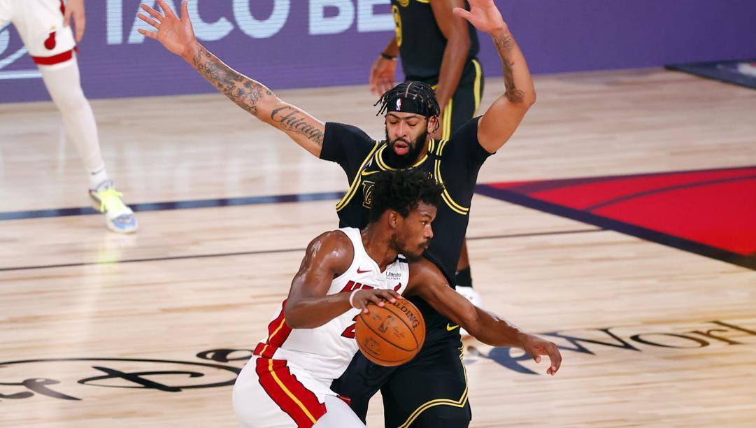 Jimmt Butler contro Anthony Davis. Ap