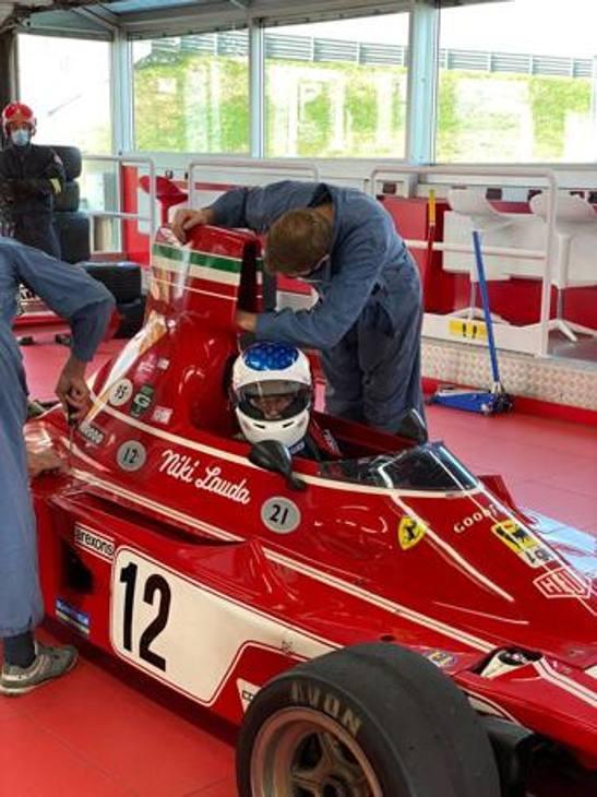 Giornata speciale a Fiorano: sulla pista del Cavallino gli ex piloti René Arnoux e Jean Alesì girano con vecchie monoposto di Maranello. Qui Alesi è a bordo della 312 B3 di Niki Lauda del 1974