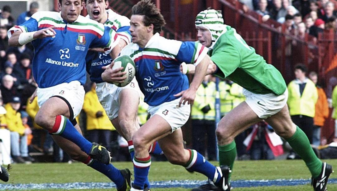 Diego Dominguez contro l'Irlanda nel 2000. Epa