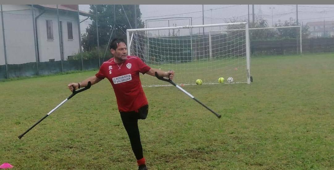 Gianni Sasso, sul campo di calcio