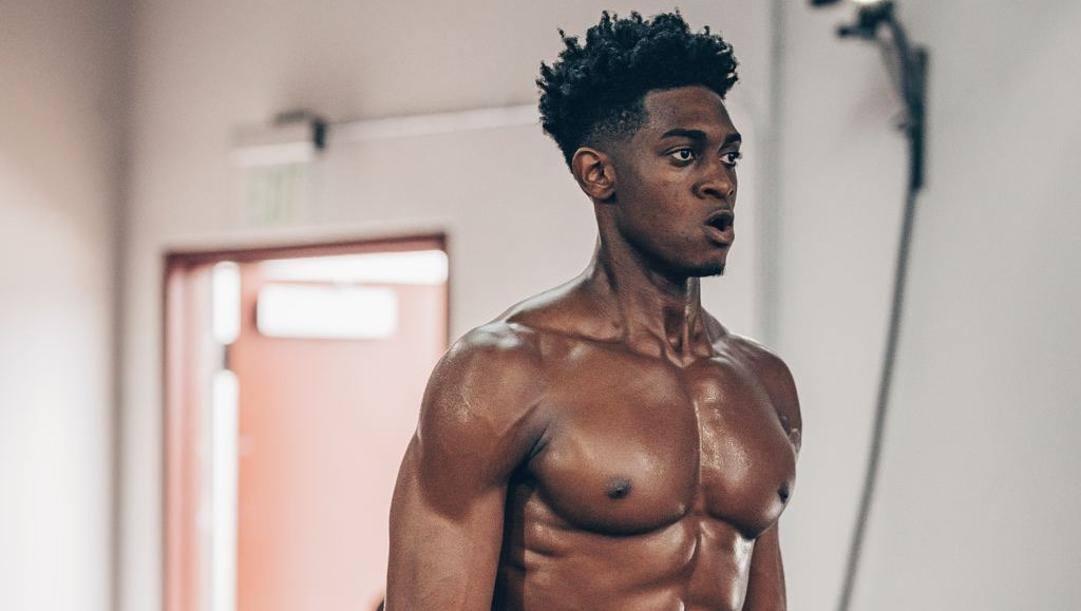 Paul Eboua, 20 anni, sta preparandosi per il Draft Nba del 18 novembre a Santa Barbara, California