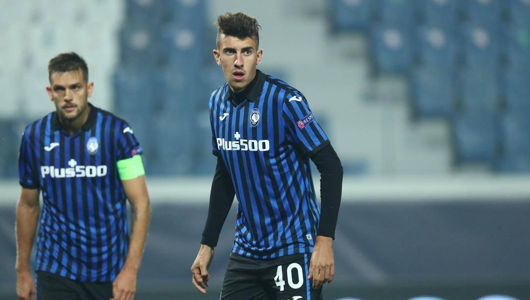 Matteo Ruggeri, 18 anni, con la maglia dell'Atalanta. www.Atalanta.it