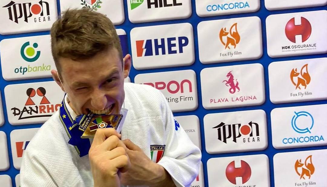 Mattia Miceli con la medaglia d'oro ai Campionati Europei U23
